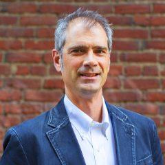 Bruce Barcott's Bio Image