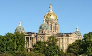 Medical marijuana manufacturer license up for grabs in Iowa